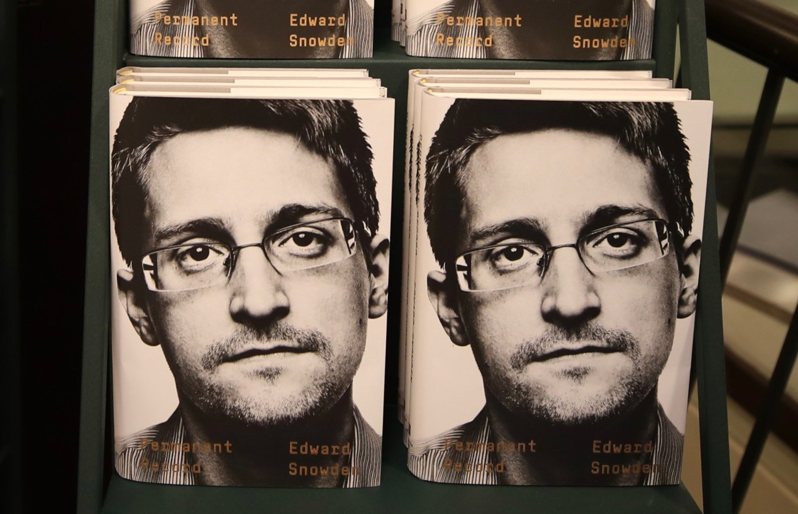 U.S Files Lawsuit Against Edward Snowden for Publishing his Book