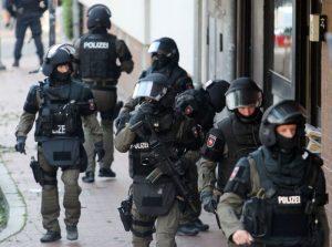 """""""Commercial Drug Lab"""" Discovered During Drug Raids in Cologne"""